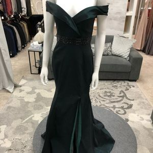 Off-Shoulder Zoey Grey Prom/Special Occassion Gown